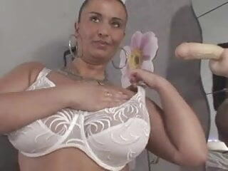 Huge-Boobs-MILF Dildoing and Posing on Cam